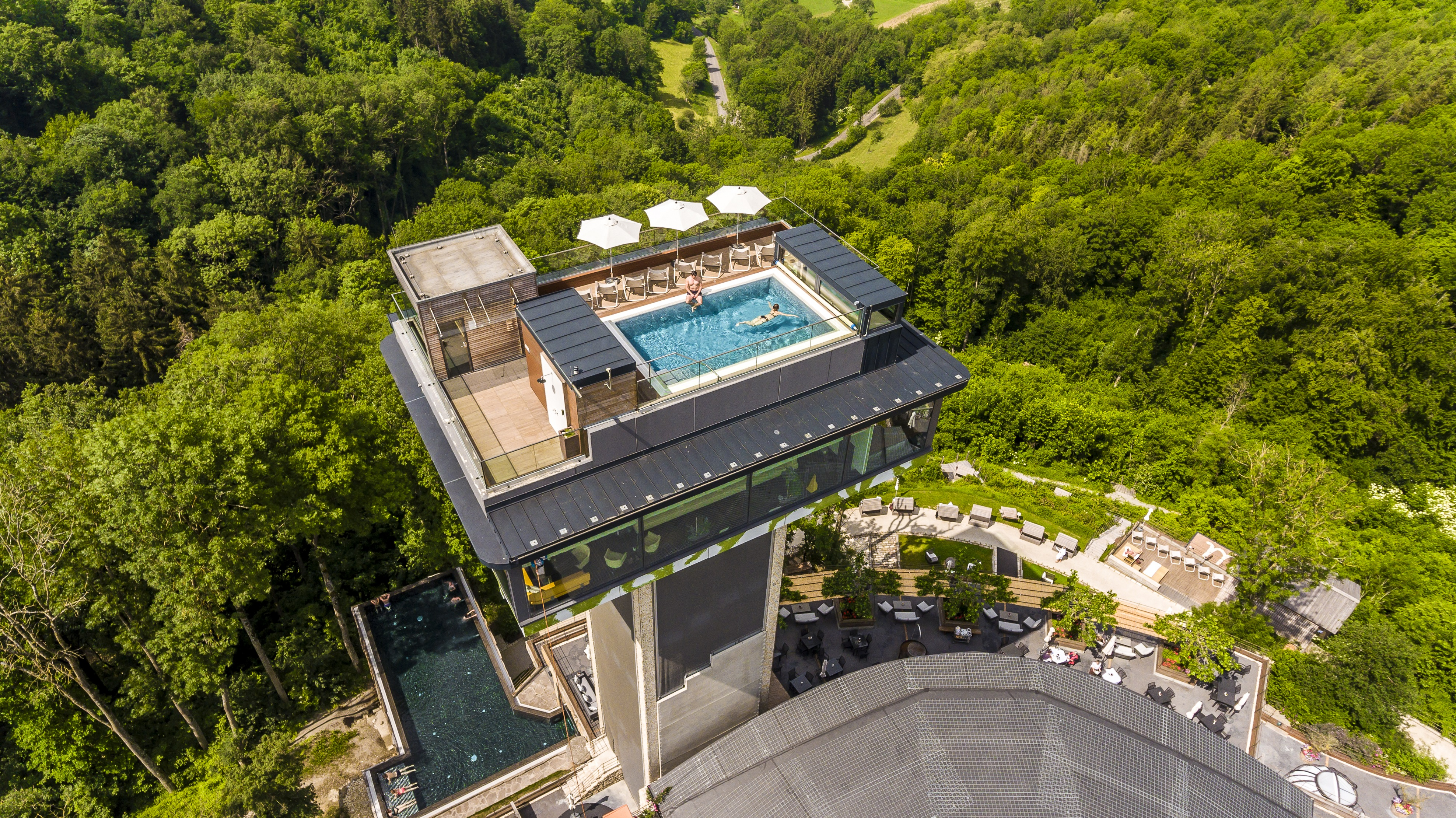 Mawell Resort Tower Pool
