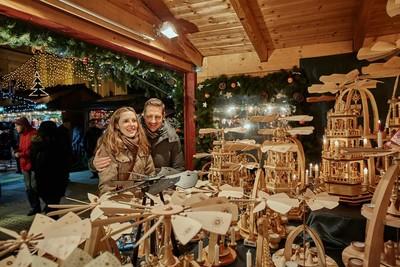 Esslingen_Weihnachtsmarkt Holzfiguren