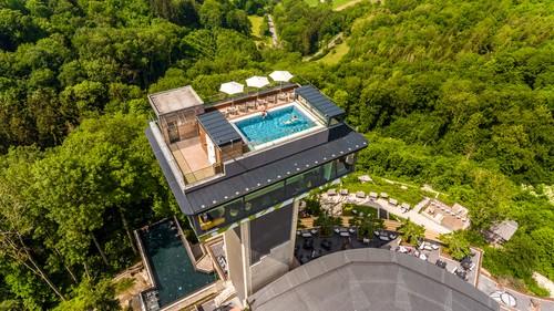 Mawell Resort Tower Pool